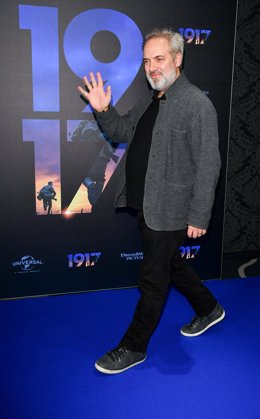 28 November 2019, Berlin: British director Sam Mendes attends the photocall of the (1917) film at UCI Luxe Mercedes Platz IMAX theater. Photo: Jens Kalaene/dpa-Zentralbild/dpa