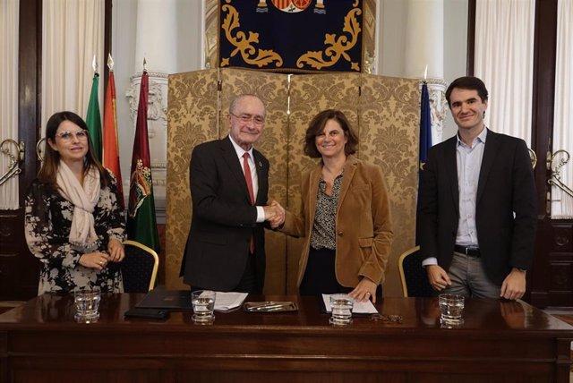 Fundación Telefónica y el Ayuntamiento de Málaga suman esfuerzos y apuestan por el modelo pedagógico innovador y disruptivo de 42 con la puesta en marcha de la academia en el complejo municipal Tabacalera