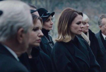 El irlandés: Robert De Niro defiende el escaso diálogo de Anna Paquin en la película de Scorsese