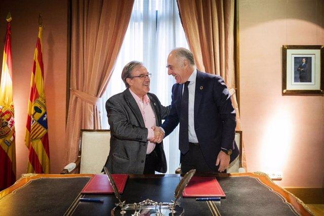 Firma del convenio entre la Fundación Ibercaja y el Justicia de Aragón.