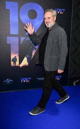 28 novembre 2019, Berlín: director britànic Sam Mendes acudeix el 'photocall' del (1917) pel·lícula a UCI Luxe Mercedes Platz IMAX teatre. Foto: Jens Kalaene/*dpa-*Zentralbild/*dpa