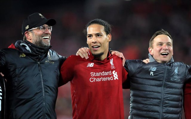 Klopp y Van Dijk (Liverpool)