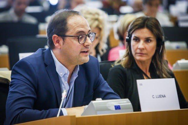 El eurodiputado del PSOE riojano, César Luena, internviene en la Eurocámara