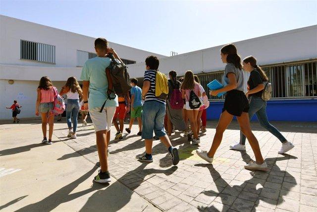 Alumnos de secundaria del municipio sevillano de Tomares.