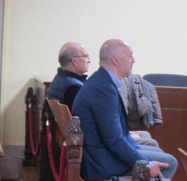 Los dos acusados en el banquillo/Archivo