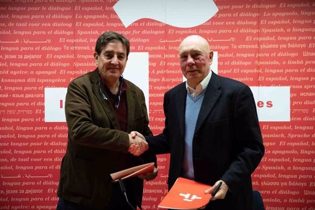 Firma del acuerdo entre el Instituto Cervantes y la Real Sociedad Matemática