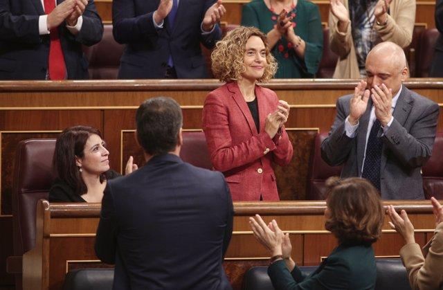 Meritxell Batet recibe el aplauso del hemiciclo tras ser reelegida en el cargo.