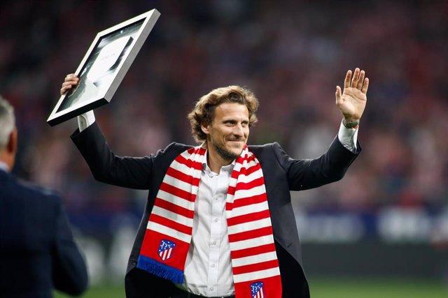 Diego Forlán tras recibir el homenaje del Atlético