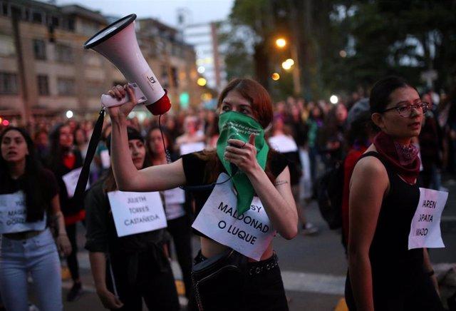 Manifestantes feministas durante las últimas jornadas de protestas que, junto a otros sectores de la sociedad colombiana, están llevando a cabo contra las políticas sociales y económicas del Gobierno de Iván Duque.