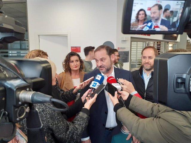 El ministro de Fomento en funciones y cabeza de lista del PSOE al Congreso por Valencia, José Luis Ábalos, en el 10N
