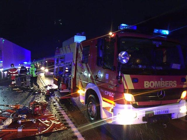 Moren tres persones i altres dos resulten ferides en un accident en Alcolea