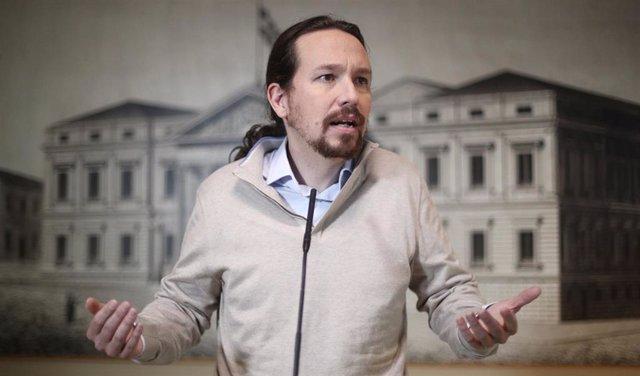 El secretario general de Podemos, Pablo Iglesias,  ofrece una rueda de prensa tras presentar sus credenciales y recoger el acta de diputado para la XIV Legislatura en el Congreso de los Diputados, en Madrid (España), a 28 de noviembre de 2019.