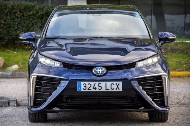 Toyota matricula su primer vehículo eléctrico de hidrógeno en España, un Toyota Mirai