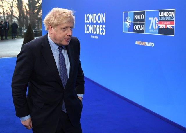 Boris Johnson arribant a la cimera de l'OTAN a Londres