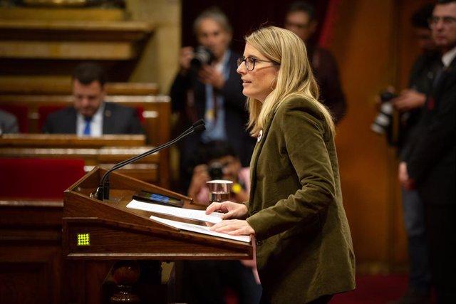 La portaveu de JxCat a l'Ajuntament de Barcelona, Elsa Artadi, durant la seva intervenció en una sessió plenària en el Parlament, a Barcelona / Catalunya (Espanya), a 26 de novembre de 2019.