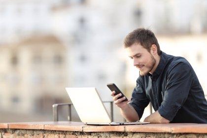 El código de las redes sociales: entre arrobas y emoticonos