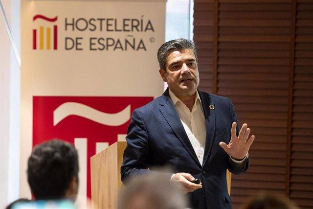 El secretario general de Hostelería de España, Emilio Gallego, en la presentación del Anuario en Madrid.