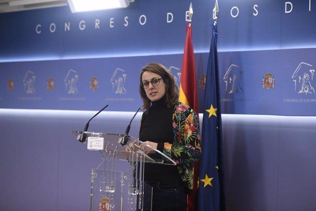 La diputada de la CUP per Barcelona Mireia Vehí ofereix una roda de premsa al Congrés dels Diputats l'endemà de la constitució de la XIV Legislatura de les Corts, Madrid (Espanya), 4 de desembre del 2019.
