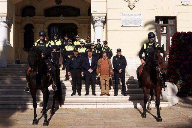 La Policía Local de Málaga protagoniza el Calendario Solidario Ángeles de la Noche