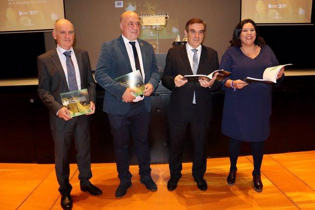 Antonio Ruiz (segundo por la izda.) en la presentación del libro el Valor social generado por la Semana Santa de la Provincia de Córdoba