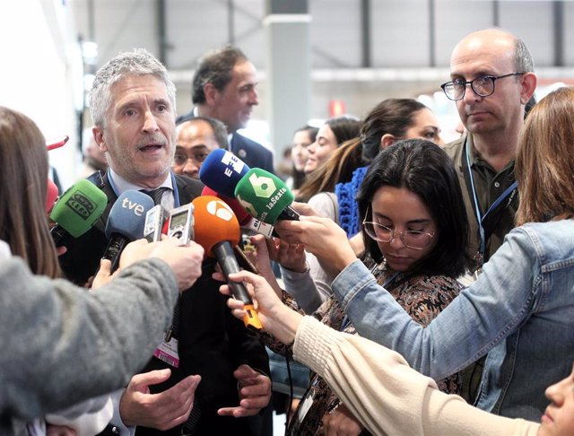 El ministro de Interior en funciones, Fernando Grande-Marlaska ofrece declariones a los medios de comunicación durante la tercera jornada del COP25