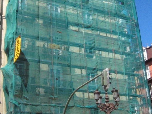 Imagen de archivo de un edificio de viviendas en rehabilitación