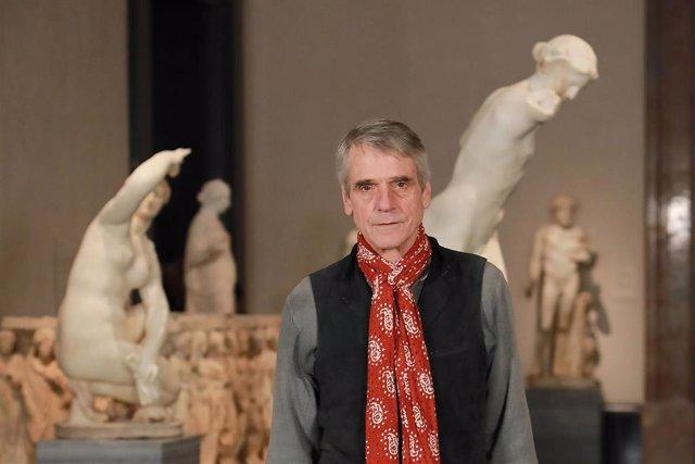 Jeremy Irons durante el estreno del documental 'Pintores y reyes del Prado'. El actor británico ha asistito al Museo del Prado para presentar el documental que se estrena este diciembre. En Madrid (España), a 4 de diciembre de 2019.