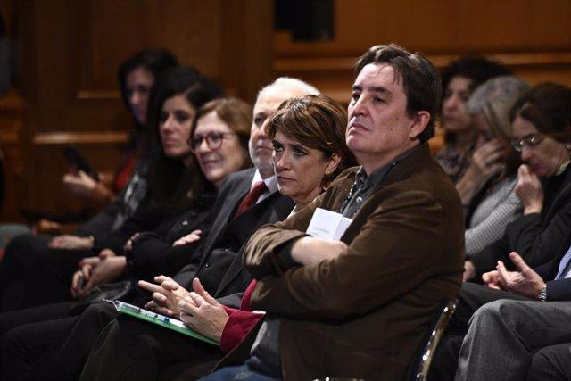 El director del Intituto Cervantes, Luis García Montero y la ministra de Justicia en funciones, Dolores Delgado en la presentación del libro ` Derecho Penal Franquista y represión de la homosexualidad'.