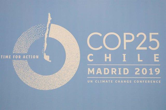 Logo de COP25 2019 en un dels pavellons de la Fira de Madrid, IFEMA, en els preparatius de la Cimera del Clima que començarà el proper dia 2 de desembre, a Madrid (Espanya), a 29 de novembre de 2019.