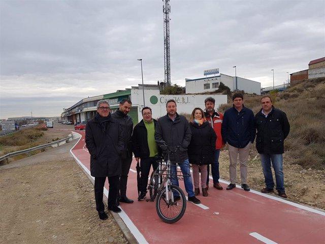 El consejero José Luis Soro ha asistido a la apertura del carril bici en La Puebla de Alfindén