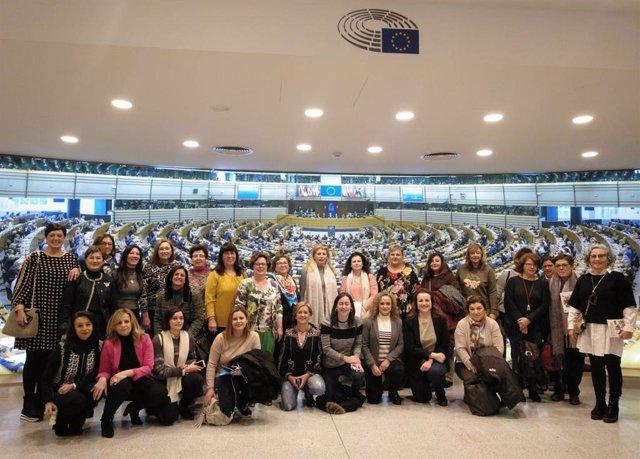 Una delegación de Cooperativas Agro-alimentarias de Andalucía, que ha participado en Bruselas en un encuentro sobre 'Mujer en la Europa Rural', han conocido el funcionamiento del Parlamento Europeo.