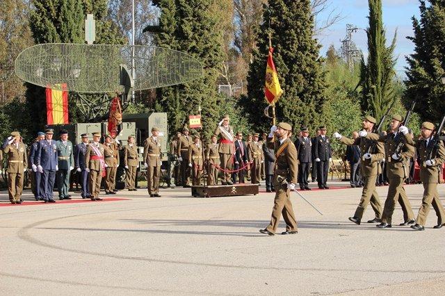 Celebración de un acto militar en honor de Santa Bárbara en El Copero