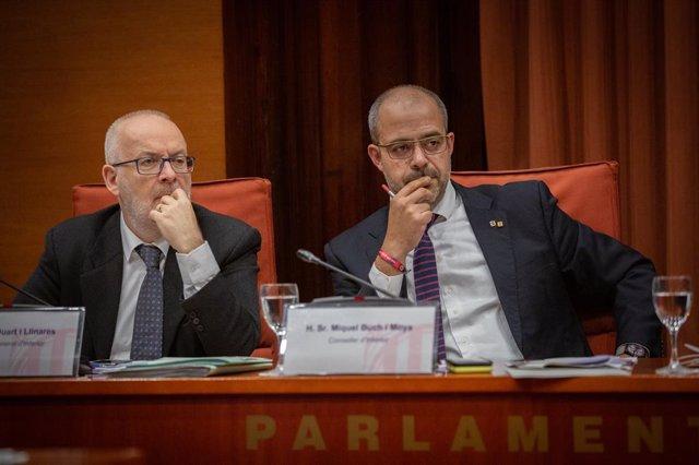 El conseller d'Interior, Miquel Buch (d), a la comissió d'Interior per donar una compareixena pel dispositiu policial després de la sentncia de l'1-O i el canvi en la direcció dels Mossos, al Parlament de Catalunya, 4 de desembre del 2019.
