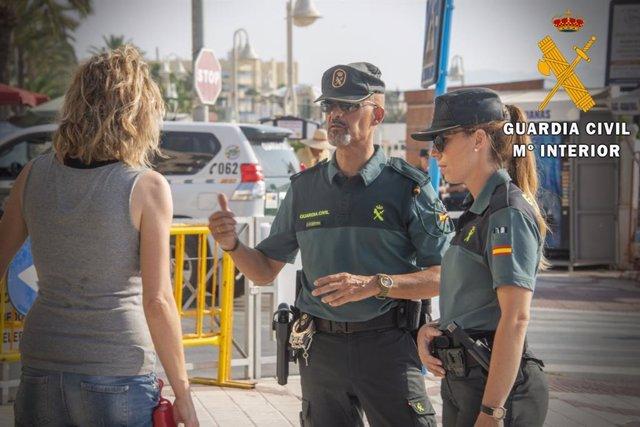 Almería.-Sucesos.- Detenidos por estafar 15.000 euros a una familia de Brasil a