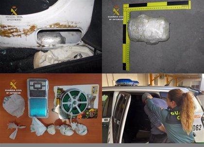 Detenidas tres personas que usaban naves bajo la apariencia de taller para distribuir droga en Santomera