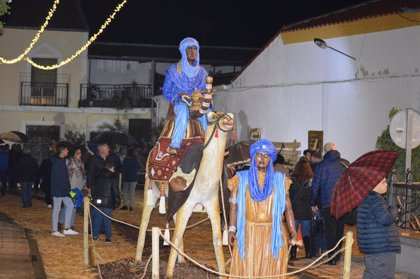 Villar de Rena inaugura su Belén de 'La Nacencia' formado por 28 figuras humanas y 50 de animales a tamaño real