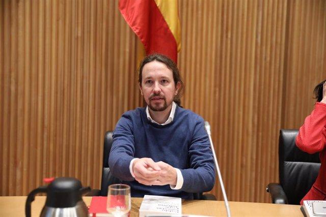 Pablo Iglesias y el periodista Enric Juliana participan en el diálogo `Nudo España: un año después en el Congreso de los Diputados