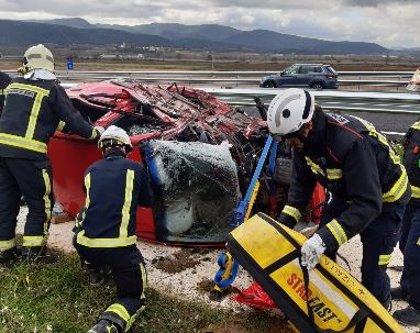 Fallece al volcar el coche en el que viajaba tras chocar contra otro turismo en Zambrana
