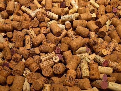NH recicla el corcho de las botellas y lo convierte en material de construcción