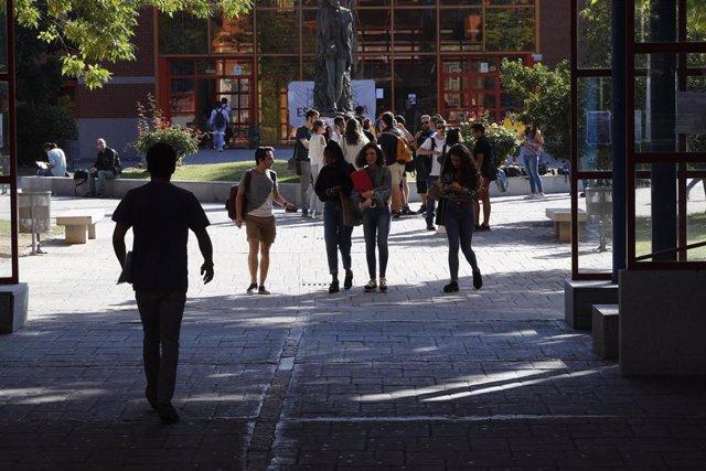 Estudiantes de la Universidad Rey Juan Carlos de Madrid (URJC).