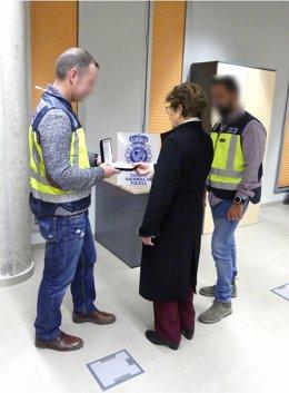 Policía Nacional recupera y devuelve las joyas de toda una vida a una octogenaria en la ciudad de Lorca