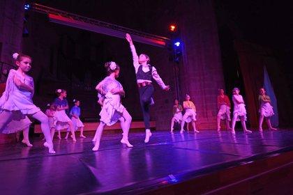 Alumnos y alumnas de Danza de la Diputación de Cáceres celebran la primera Gala Intercentros