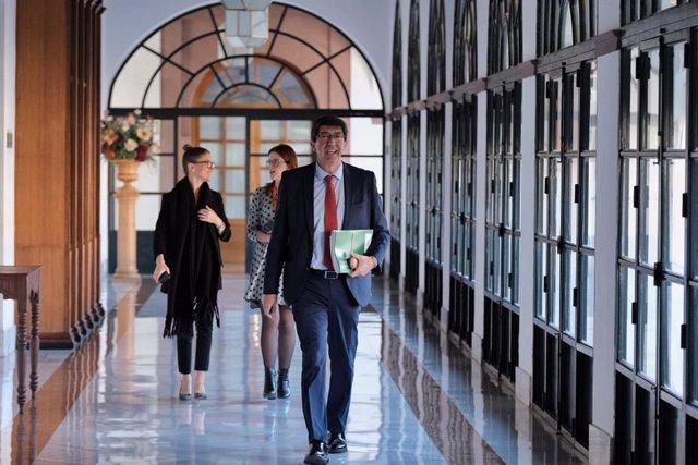 El vicepresidente de la Junta y consejero de Turismo, Regeneración, Justicia y Administración Local, Juan Marín, en el Parlamento andaluz.