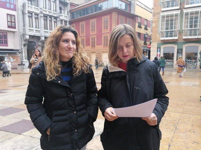 Las concejalas de Somos, Anabel Santiago y Ana Taboada.