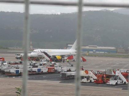 La huelga en Francia contra la reforma de las pensiones provoca retrasos en tres vuelos de la ruta Bilbao-París
