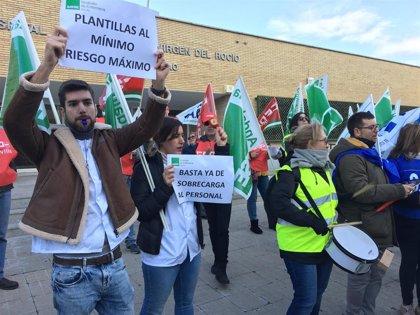 """Profesionales y sindicatos marchan """"contra los recortes"""" del SAS y exigen """"mejorar la contratación"""""""