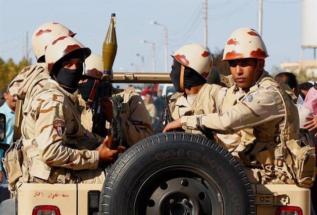 Soldados de Egipto en la península del Sinaí