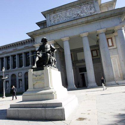 El Prado celebra el cierre del bicentenario con la proyección en 3D de un centenar de cuadros en su fachada
