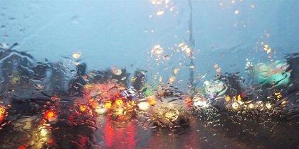 Las lluvias afectan con intensidad a la Ribera y obliga a cortar carreteras y caminos