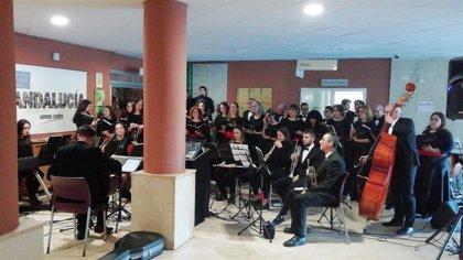 Pacientes, usuarios y profesionales disfrutan de un concierto en el hospital de Úbeda (Jaén)